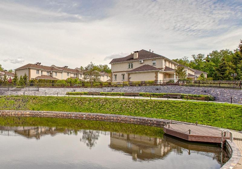 Коттеджный посёлок  «Нагорное 2» по адресу Московская обл, Мытищинский р-н, Вешки п в 2.2км от МКАД предложения по цене от 28 600 000 руб.